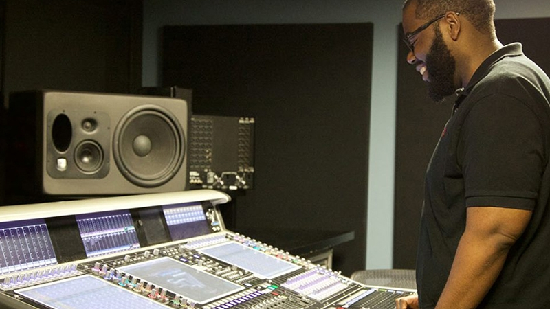 Audio Engineer Brandon Blackwell on How to Keep the Ball Rolling as a Freelancer - Story image