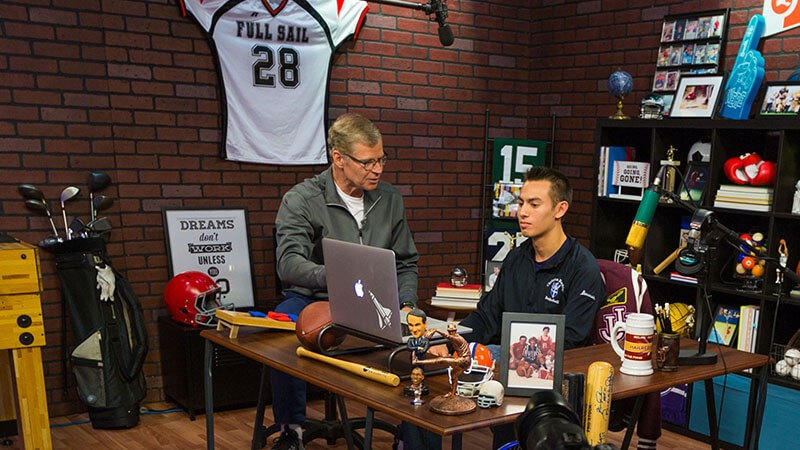 How it Works: Getting a Sportscasting Degree at Full Sail University - Story image