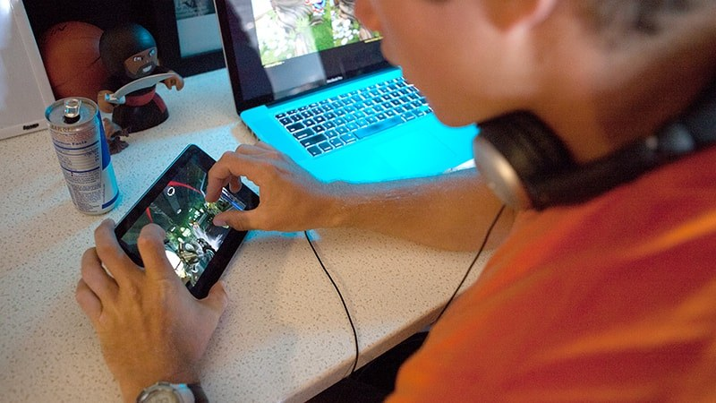 Featured story thumb - Students in Full Sail's Mobile Gaming Master's Program Learn Development and Consumer Engagement
